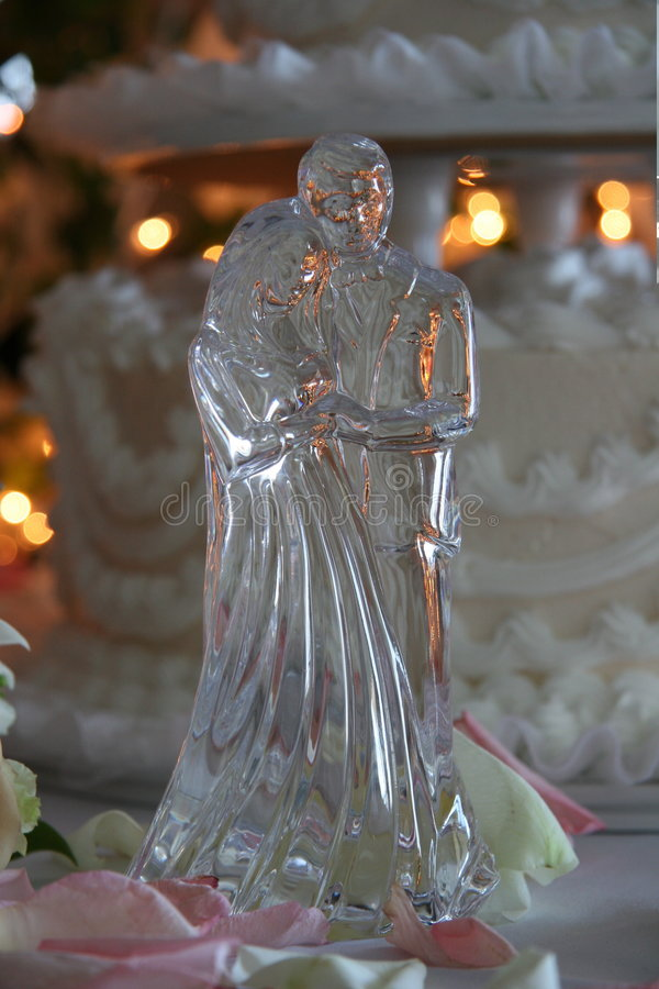 Figurine en cristal de mariage photos stock