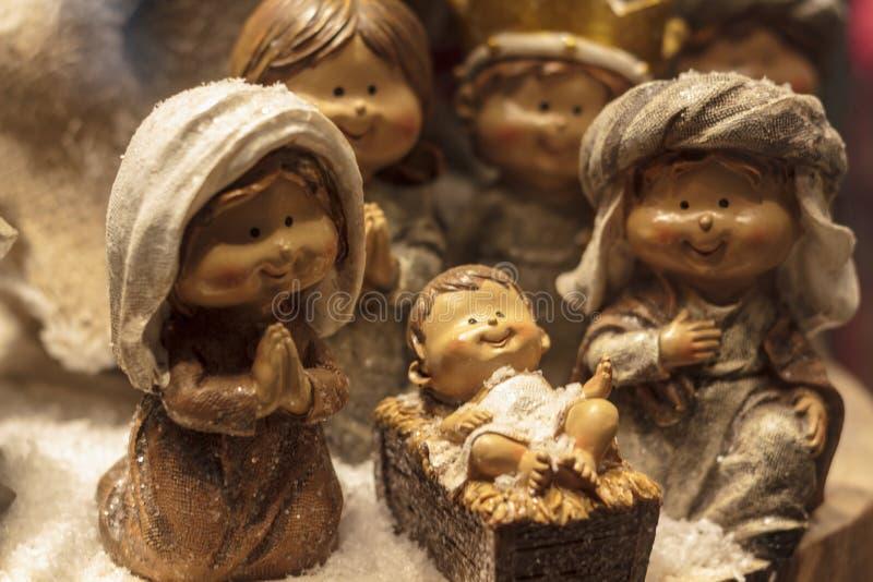Figurki Jesus w żłobie z Joseph i Mary obrazy royalty free