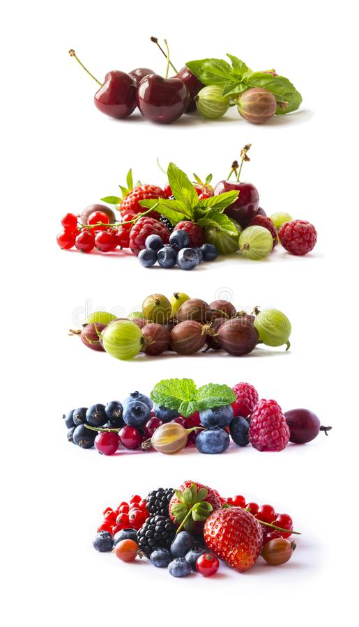 Fije de bayas frescas aisló un blanco Pasa, frambuesa, cereza, fresa, grosella espinosa, mora, arándano, arándano Backgrou foto de archivo