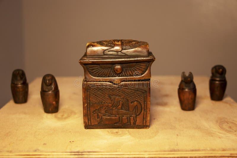 Fije de los artefactos egipcios de la momificación imágenes de archivo libres de regalías