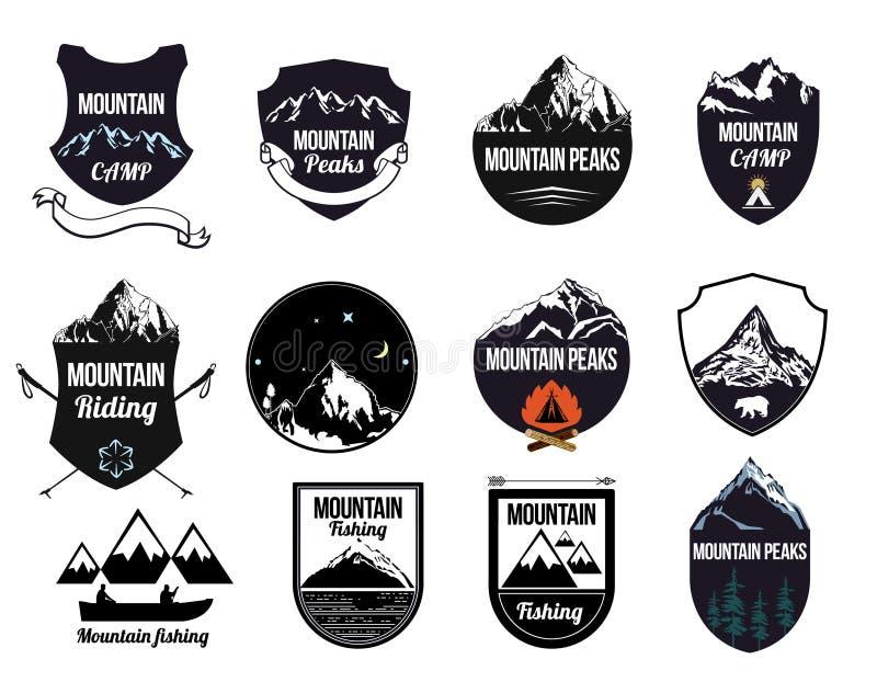 Fije las montañas logotipo, etiquetas y elementos del diseño stock de ilustración
