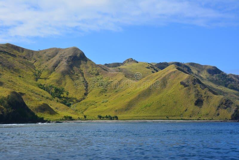 Fijianskt bergigt landskap royaltyfri foto