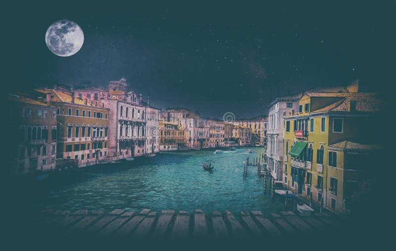 Fijn kunst retro beeld met gondel op Kanaal Grande, Venetië, het stock foto's