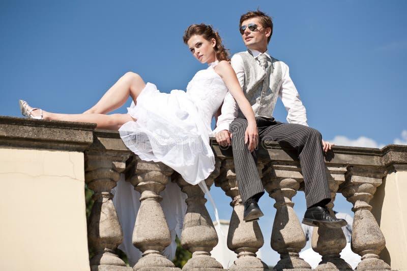 Fijne kunstfoto van een aantrekkelijk huwelijkspaar stock foto's