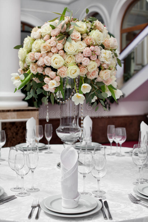 Fijne lijst die met rozen plaatsen stock fotografie