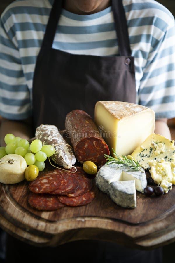Fijne vleeswaren en het idee van het de fotografierecept van het kaasvoedsel royalty-vrije stock afbeeldingen