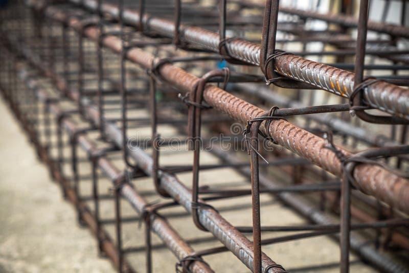 Fil d'acier et fixation du renfort préparé par Rods de barres d'acier pour le travail concret photos stock