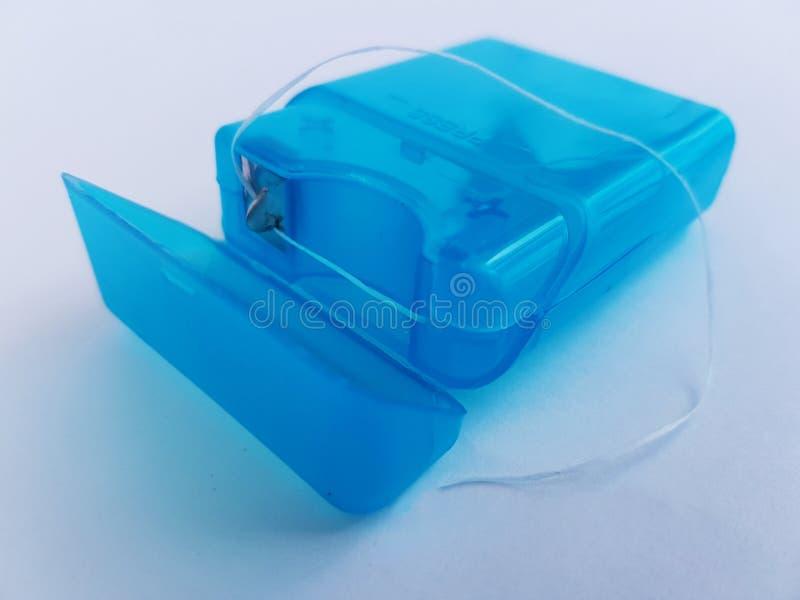 Fil dentaire pour la bonne hygiène orale et dentaire images stock