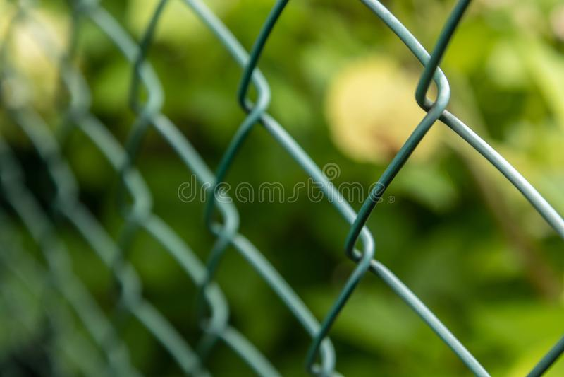 Fil Mesh Fence dans mon arrière-cour photos libres de droits