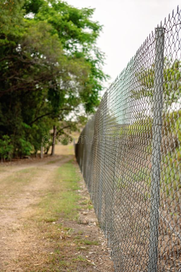 Fil Mesh Fence Enclosure en métal images libres de droits