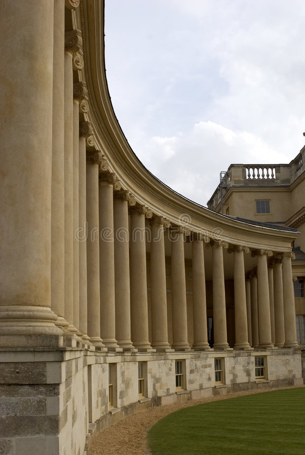 Fila de columnas fotos de archivo libres de regalías