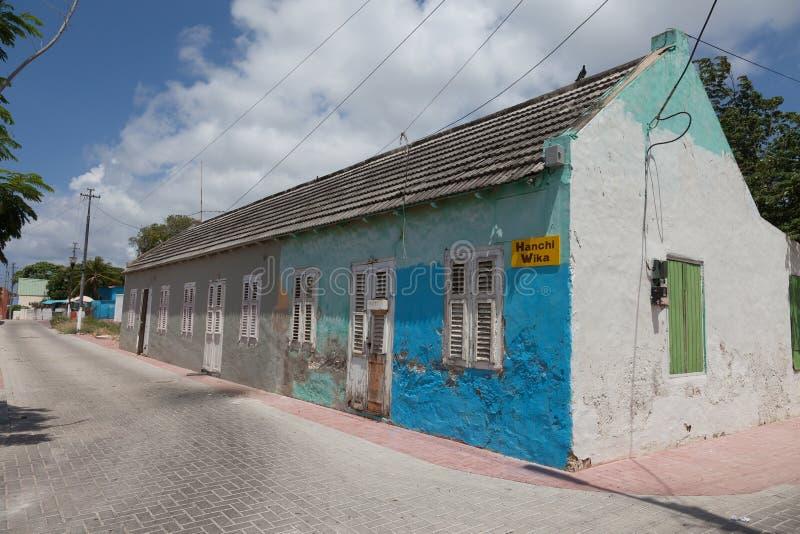 Fila de las casas viejas del criado fotografía de archivo libre de regalías