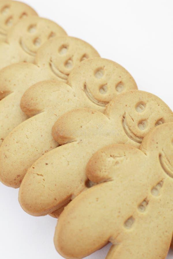 Fila de los hombres de pan de jengibre foto de archivo