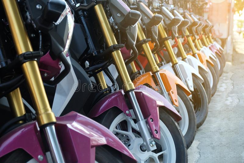 Fila de muchos motocicleta fotografía de archivo