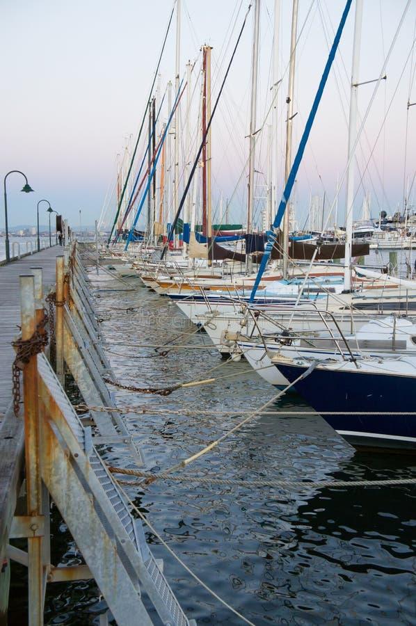 Fila delle barche fotografia stock libera da diritti