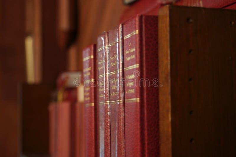 Fila delle bibbie fotografia stock libera da diritti