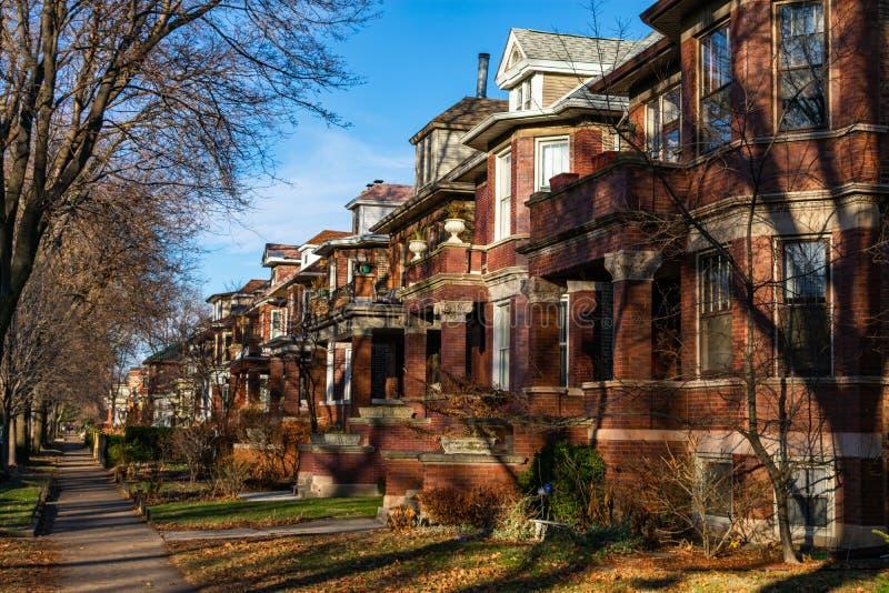 Fila delle case in Andersonville Chicago fotografie stock libere da diritti
