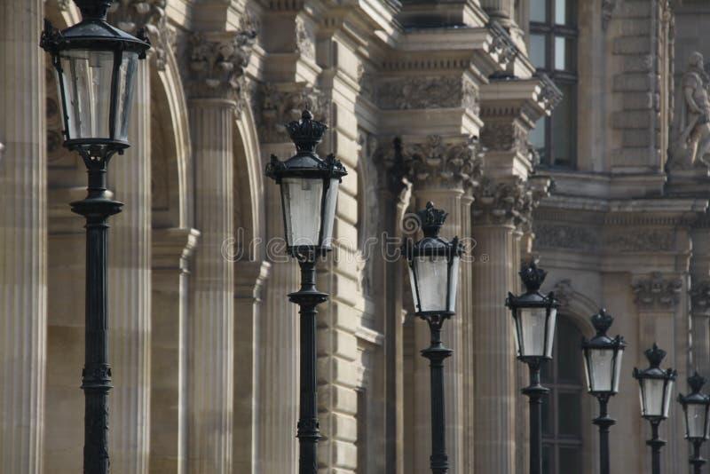 Fila delle lampade di via a Parigi Francia immagine stock