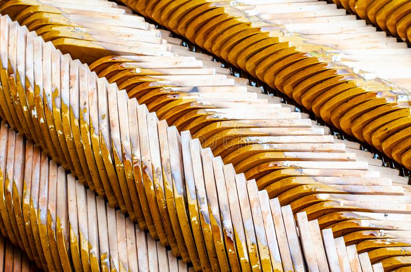 Fila delle mattonelle di tetto del tempio fotografie stock libere da diritti