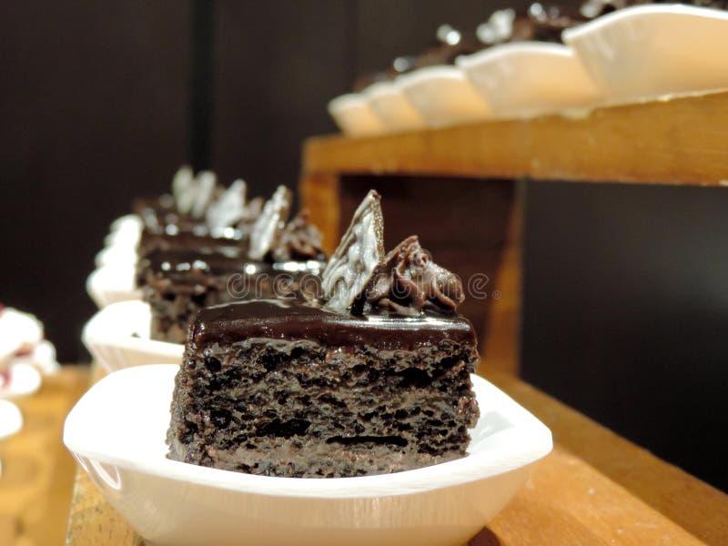 Fila delle pasticcerie del cioccolato immagine stock libera da diritti