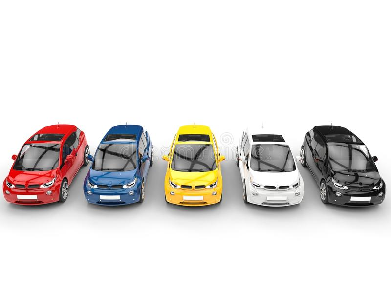 Fila di piccole automobili elettriche - vari colori illustrazione vettoriale