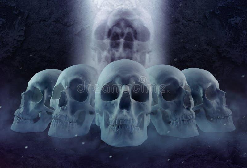 Fila y niebla de los cráneos del horror fotografía de archivo