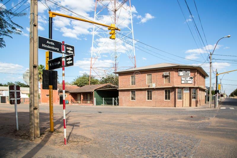 FILADELFIA, ПАРАГВАЙ - 15-ое июля 2018: Центр города Filadelfia, отдел Boqueron, Gran Chaco, Парагвай Mennonite Deutsch стоковая фотография rf