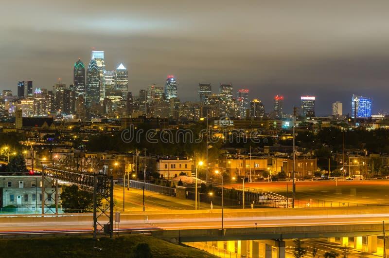 Filadelfia linia horyzontu przy nocą, Pennsylwania, usa obraz stock