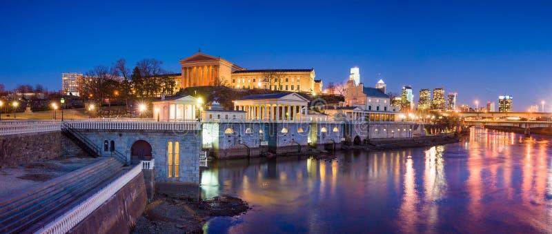Filadelfia muzeum sztuki i Fairmount Wodne pracy obraz stock
