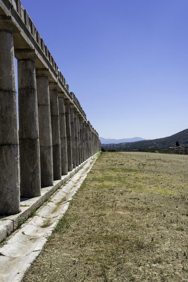 Filar ruiny starożytnego grka miasto Messinia, Peloponnese, Grecja fotografia stock