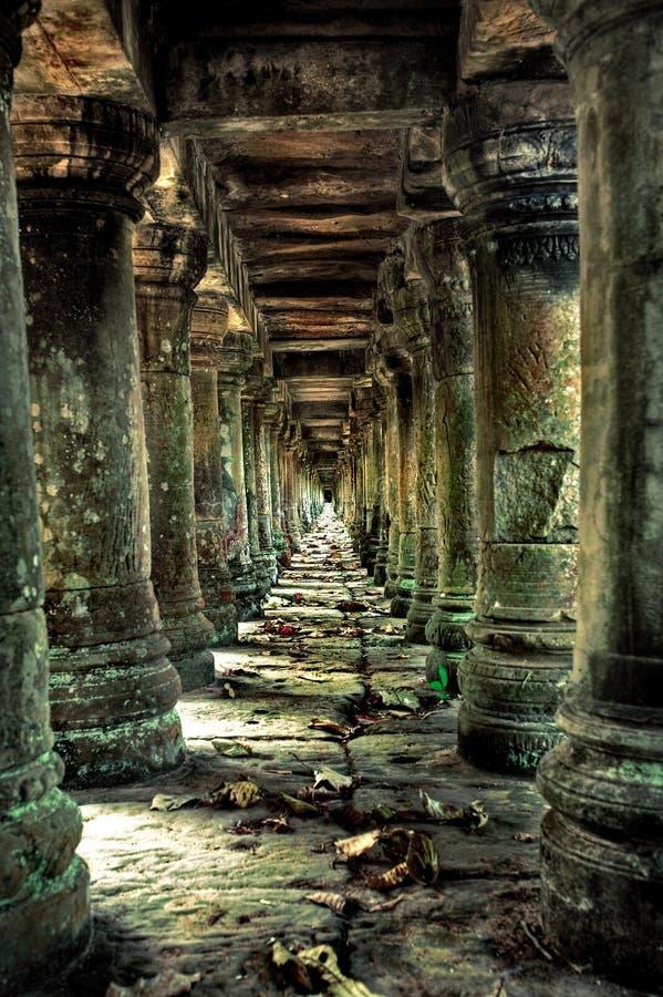 filary korytarzy obrazy royalty free