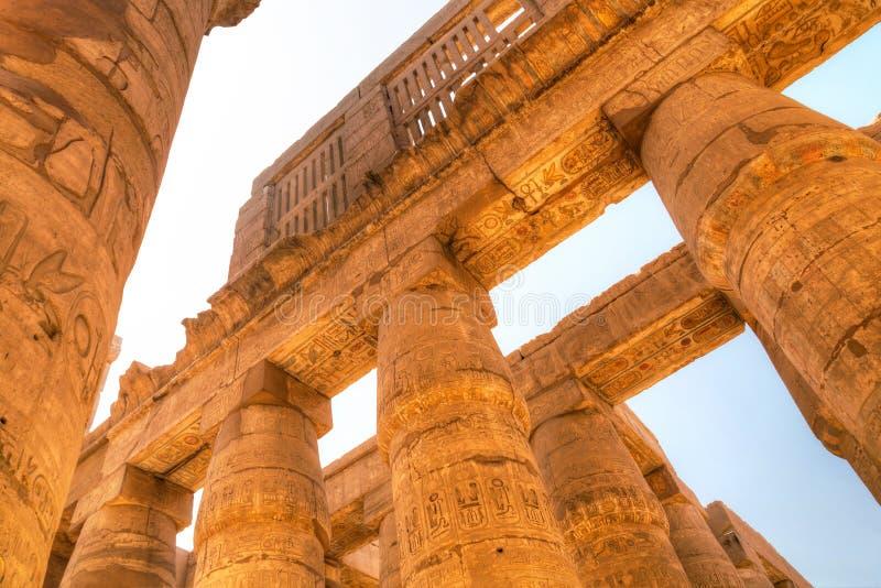 Filary Wielki hipostyl Hall w Karnak świątyni fotografia stock