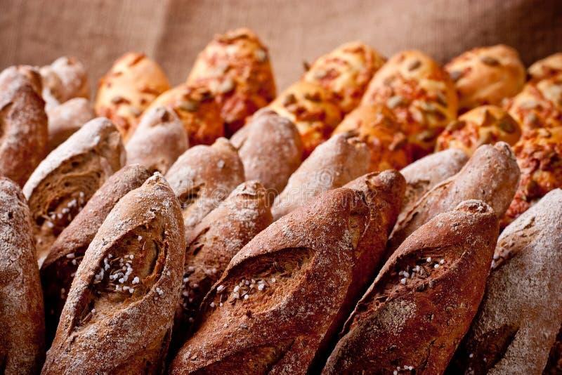 Filas de la panadería fotos de archivo
