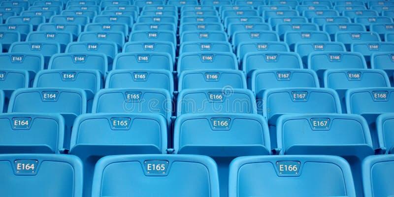 Filas de los asientos de Emtpy imágenes de archivo libres de regalías