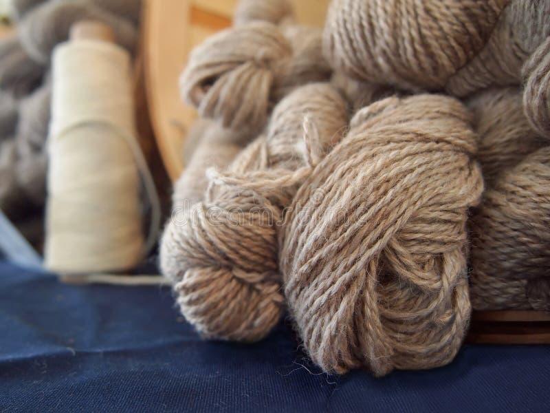 Filato di lana naturale delle pecore fotografie stock libere da diritti