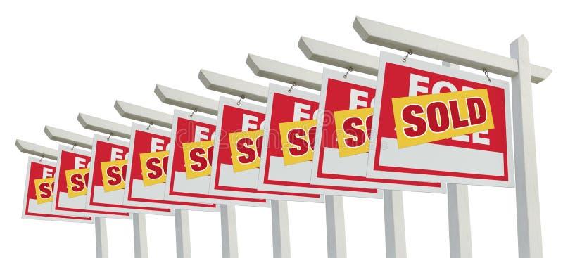 Fileira da HOME vendida para o isolado do sinal dos bens imobiliários da venda imagem de stock royalty free