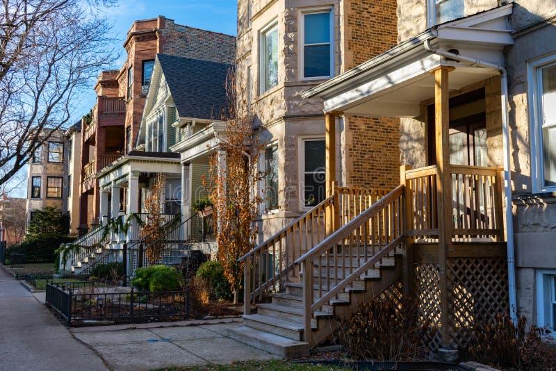 Fileira das casas com as escadas em Andersonville Chicago imagem de stock