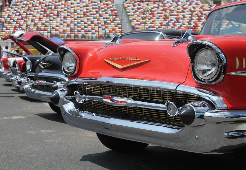 Fileira de 57 Chevy dos carros foto de stock royalty free