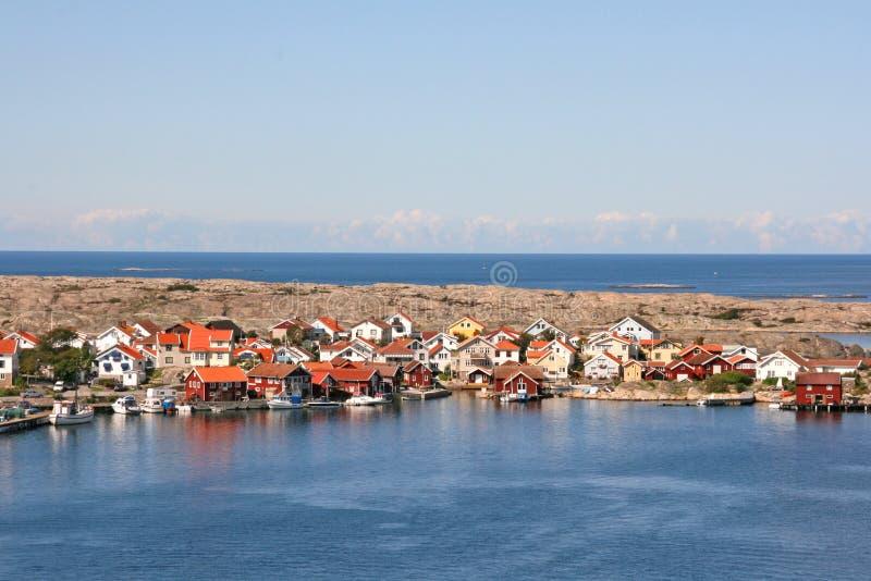 Fileira de casas coloridas, Smogen, Suécia imagens de stock royalty free