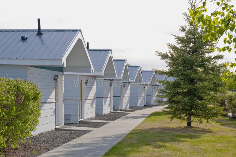 Fileira de casas de campo de madeira fotografia de stock