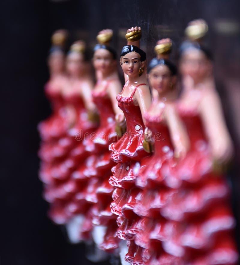 Fileira de estatuetas do dançarino do flamenco foto de stock royalty free