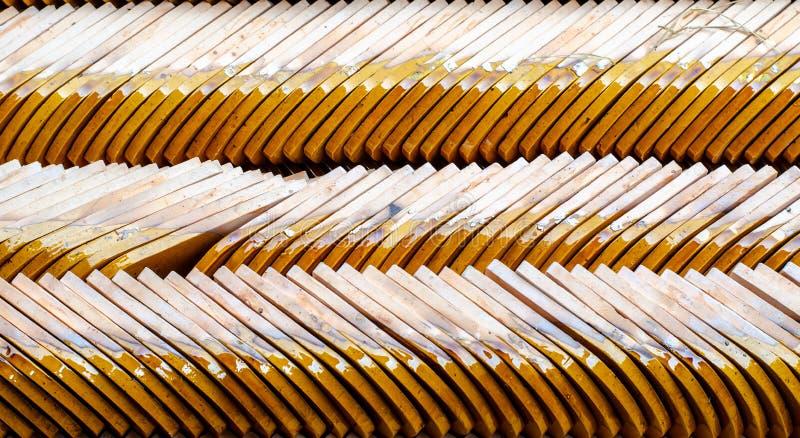 Fileira de telhas de telhado do templo imagens de stock royalty free