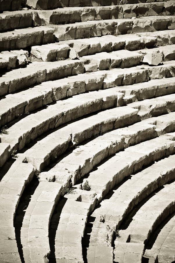 Fileiras do amphitheater antigo imagens de stock royalty free