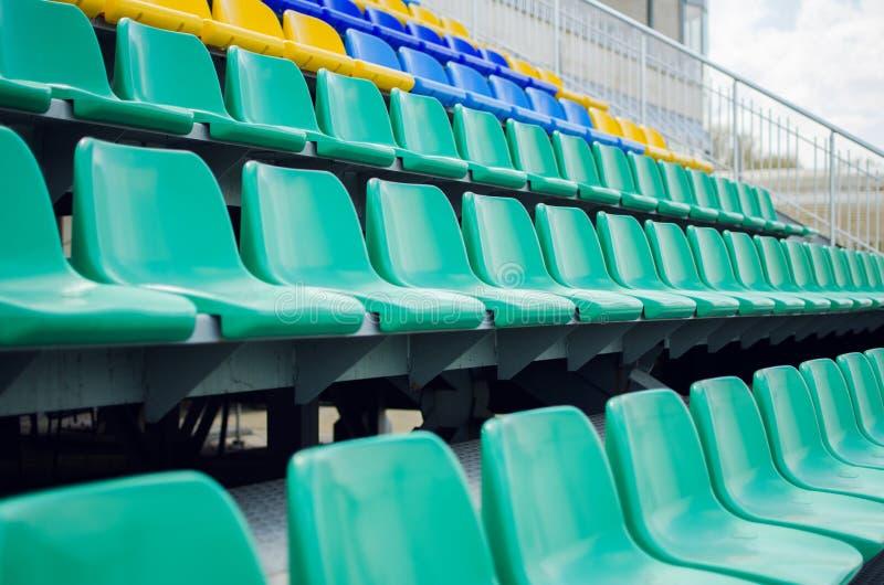 Fileiras dos assentos imagens de stock