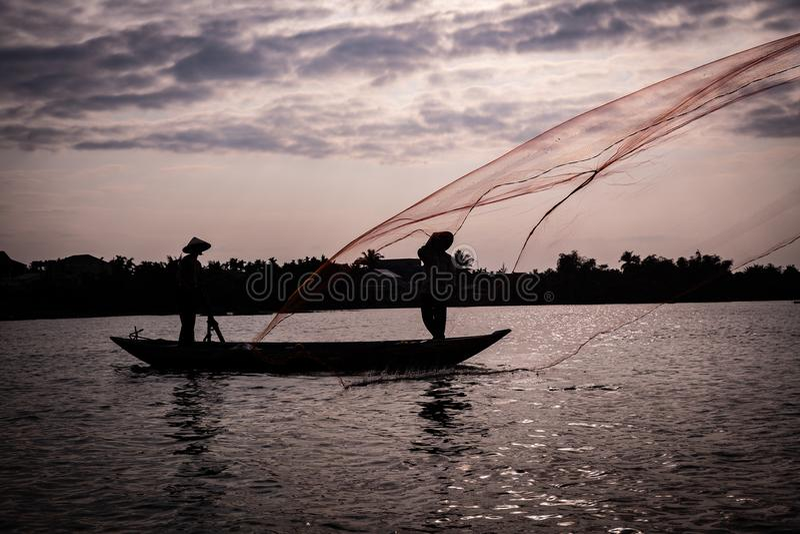 Filet de pêche de lancement au Vietnam images libres de droits