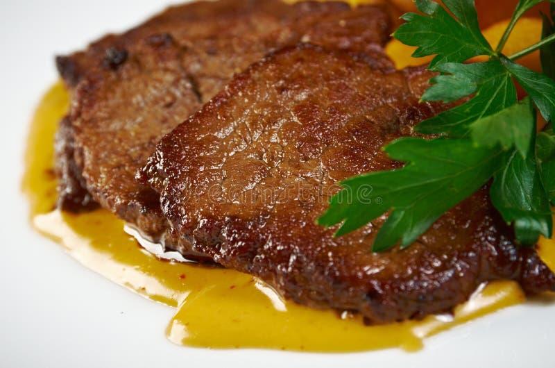 Filetbratenrindfleisch mit Kartoffeln stockfotografie