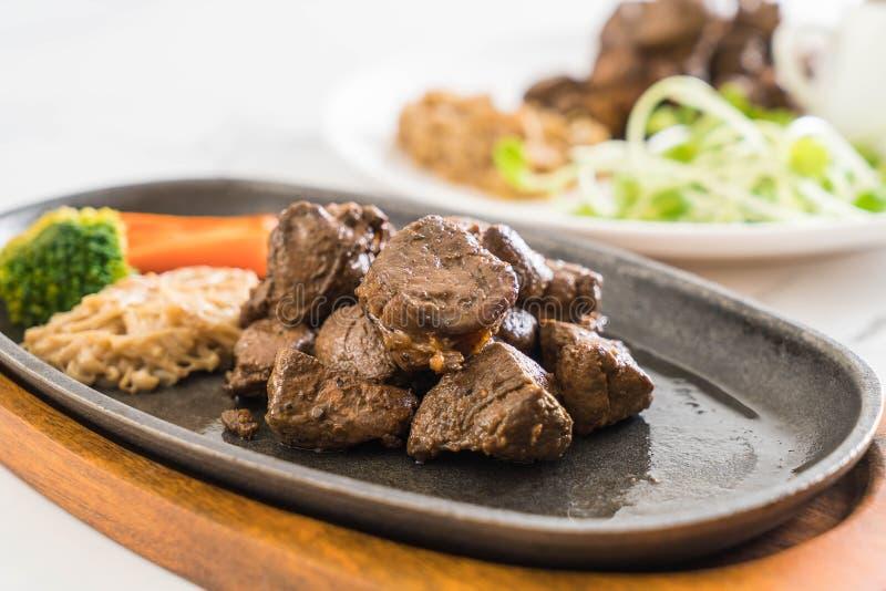 Filete de carne de vaca con la verdura imágenes de archivo libres de regalías