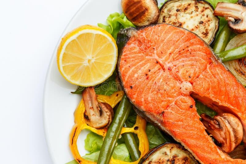 Filete de color salmón asado curruscante imágenes de archivo libres de regalías