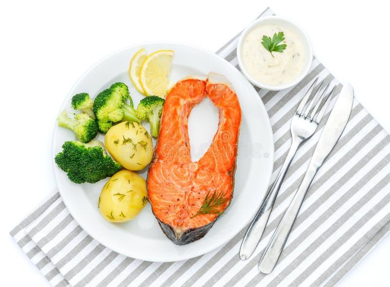 Filete de color salmón asado curruscante imagen de archivo libre de regalías