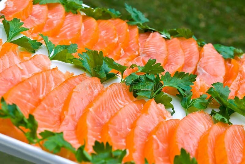 Filete de color salmón rebanado imagenes de archivo